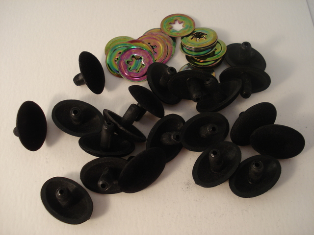 15mm Flocked Nose Black 20p