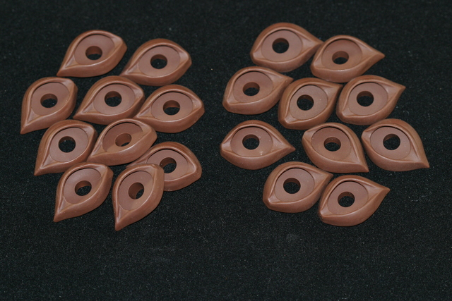 Koala Eyelids Brown 2 pairs - 18mm
