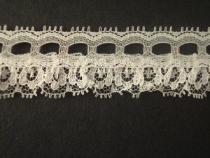 2.5cm Single Eyelet White price per mt