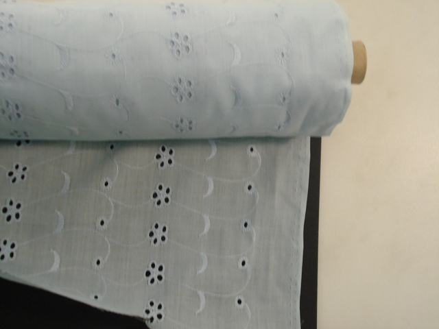 Broderie Anglaise 114cm Light Blue