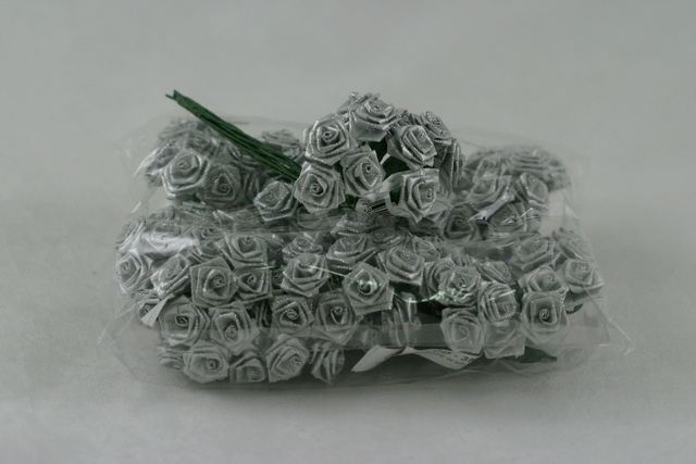 Ribbon Rose Silver Lurex 144p pack