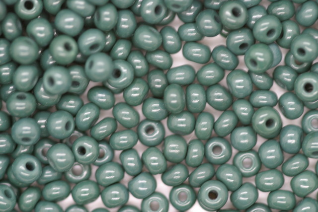 Czech Seed 8/0 R Opaque; Dark Green 100g