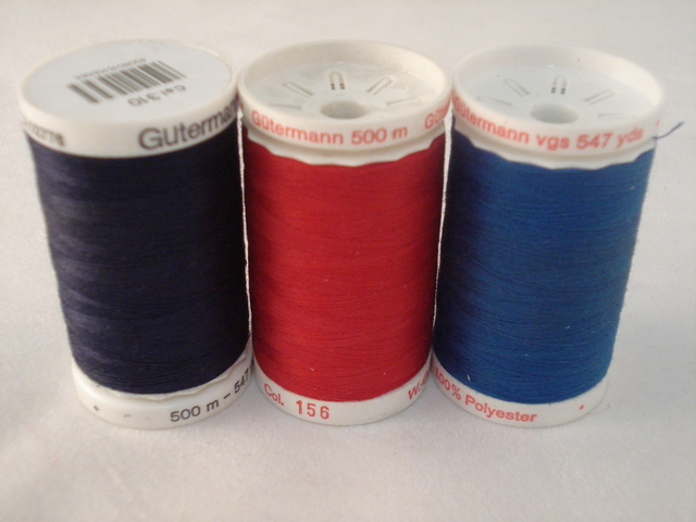 Gutermann 500m Royal per each roll