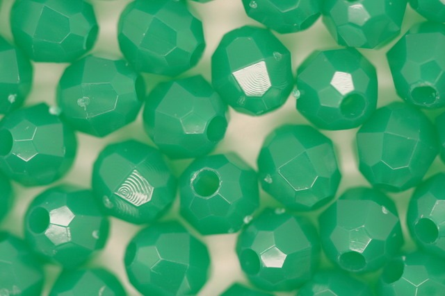 6mm Facet Opaque; Dark Green 250g (approx 2300p)