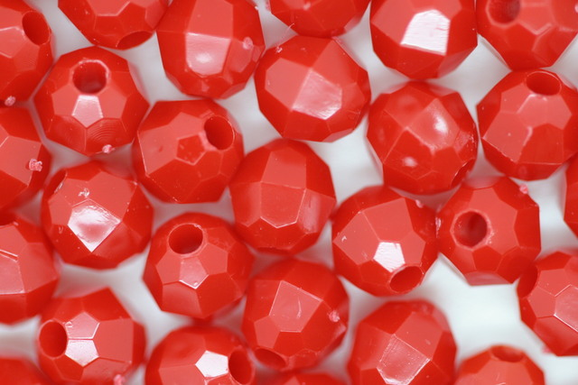 6mm Facet Opaque; Red 250g (approx 2300p)
