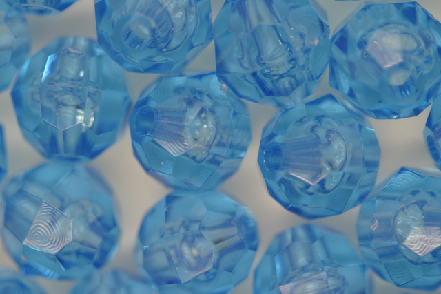 10mm Facet Transparent; Light Sapphire 250g (approx 500p)