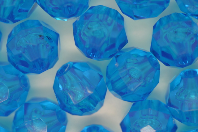 10mm Facet Transparent; Turquoise 250g (approx 500p)