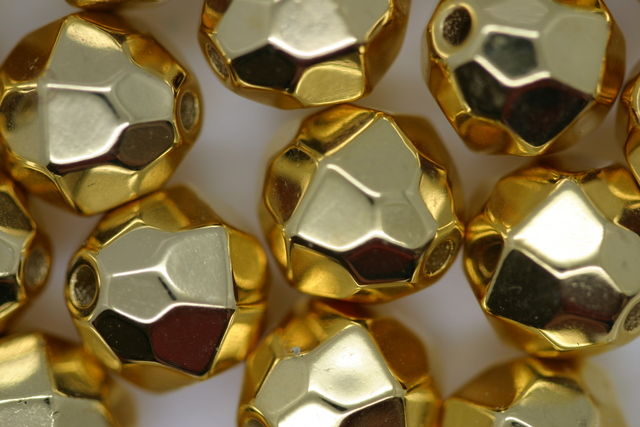 12mm Facet Metallic Gold 50g (approx 46p)
