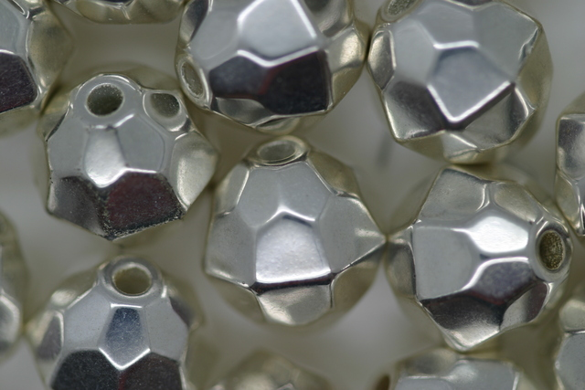 12mm Facet Metallic Silver 50g (approx 46p)