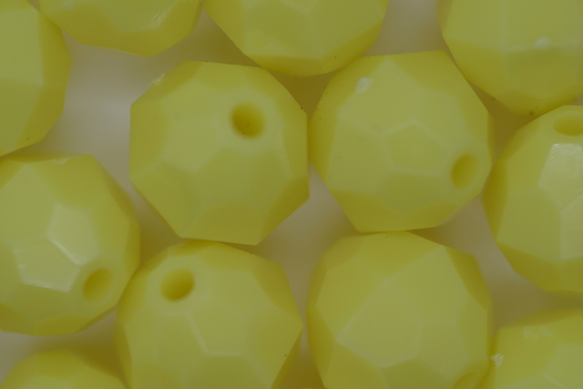 12mm Facet Opaque; Yellow 250g (approx 330p)