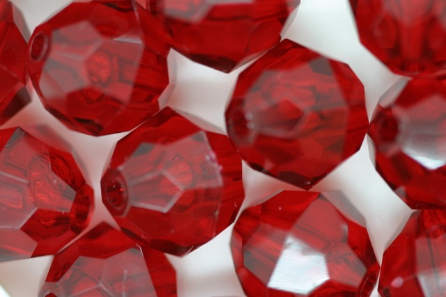 12mm Facet Transparent; Ruby 250g (approx 330p)
