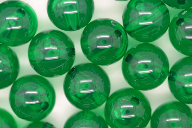 9mm Transparent Round; Xmas Green 250g (approx 450p)