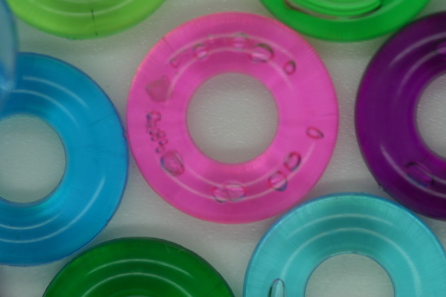 16mm Ring/Donut Transparent; Multi (approx 380p)