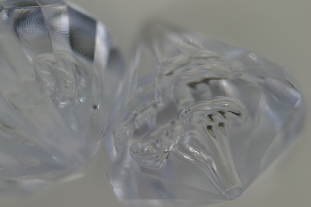 22mm Vertical Teardrop Transparent; Crystal 100g (approx 20p)