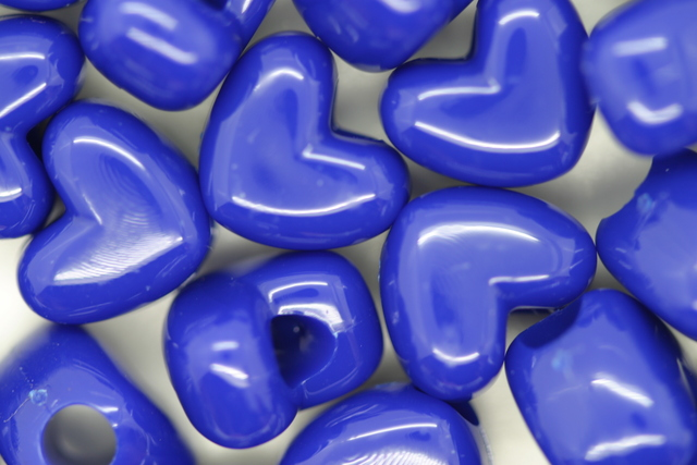 Vertical Heart Opaque; Blue 250g (approx 481p)