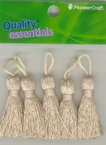 Tassels 35mm 06 Straw