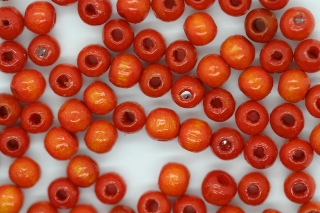 Wooden Beads, 4mm, 100 pieces, Orange (1mm hole)