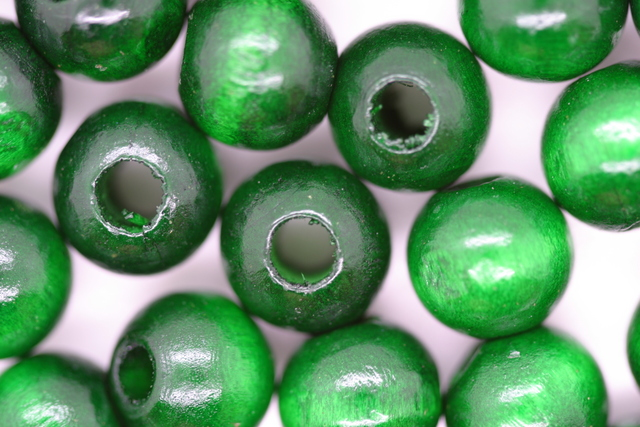Wooden Beads, 10mm, 100 pieces, Green (4mm hole)