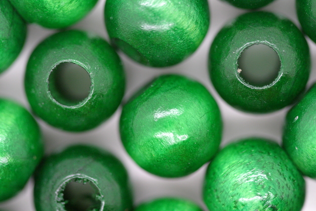 Wooden Beads, 12mm, 100 pieces, Green (5mm hole)